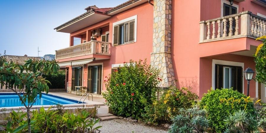 Charmig villa med en fantastisk trädgård i Palmanyola
