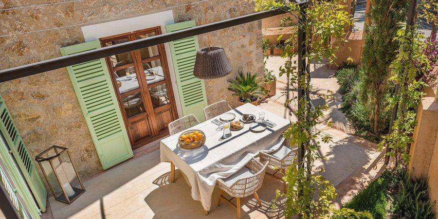 Fantástico proyecto con casa de pueblo de tres dormitorios en Deià