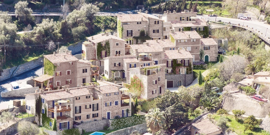 Fantastic development with three bedroom townhouse in Deia