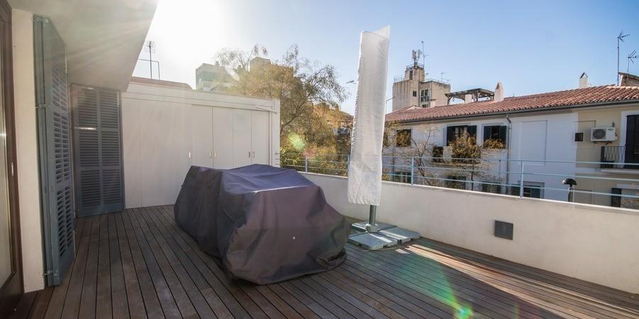 Casa de renovación moderna en Santa Catalina