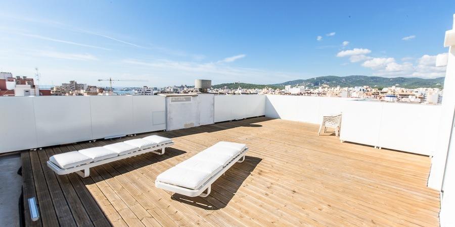 Penthouse mit einer unglaublichen Terrasse in Santa Catalina
