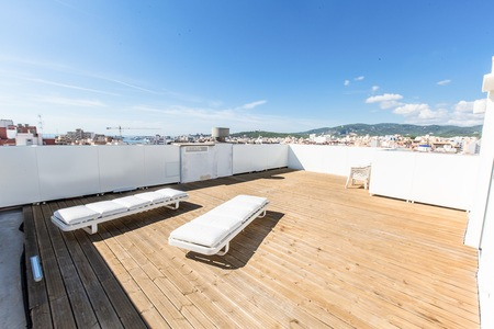 Penthouse with an amazing terrace in Santa Catalina