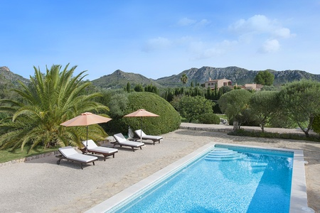 Secluded estate with beautiful mediterranean gardens near Arta