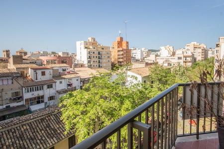 Neu renovierte Wohnung mit Terrasse in Santa Catalina