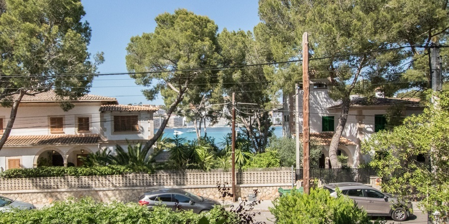 Sea view apartment with garden in Santa Ponsa