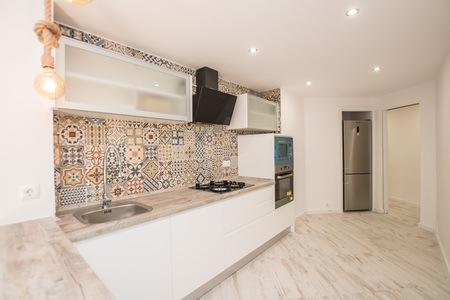 Apartamento espacioso renovado con terraza cerca de Palma Tenis