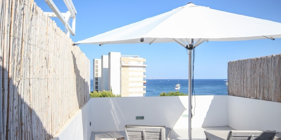 Amazing Ibiza style penthouse with terrace and sea views in Palmanova