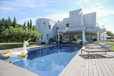 Fantastisk modern villa med stor saltvattenpool och turkisk Hamam i Sol de Mallorca