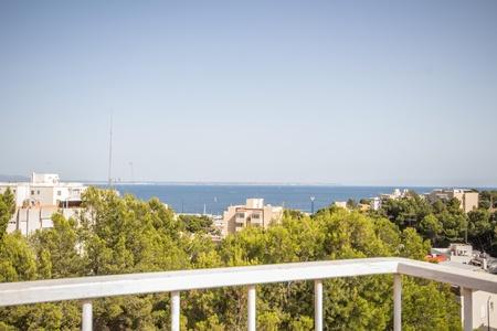 Ático recientemente renovado con vistas al mar en el popular San Agustín