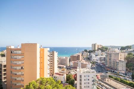 Neu renoviertes Studio mit überdachter Terrasse und fantastischem Meerblick in Cala Mayor