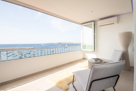Amazing first line apartment with incredible views in Puerto Portals