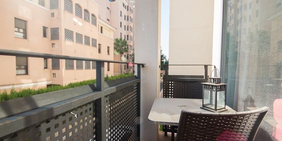 Nyligen renoverad lägenhet precis vid vattnet i Portixol