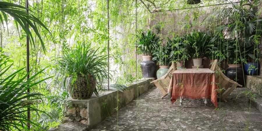 Casa genuina con hermosas terrazas, jardín y parking privado en Esporlas