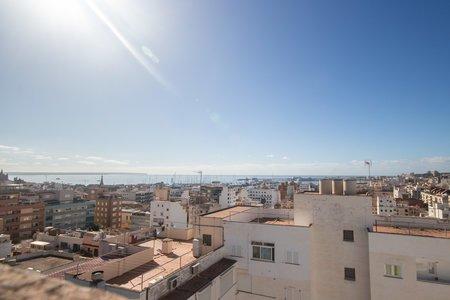 Bonito apartamento con balcón y parking en el moderno Santa Catalina