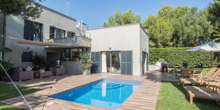 Preciosa villa con piscina y jardín en Cala Pi