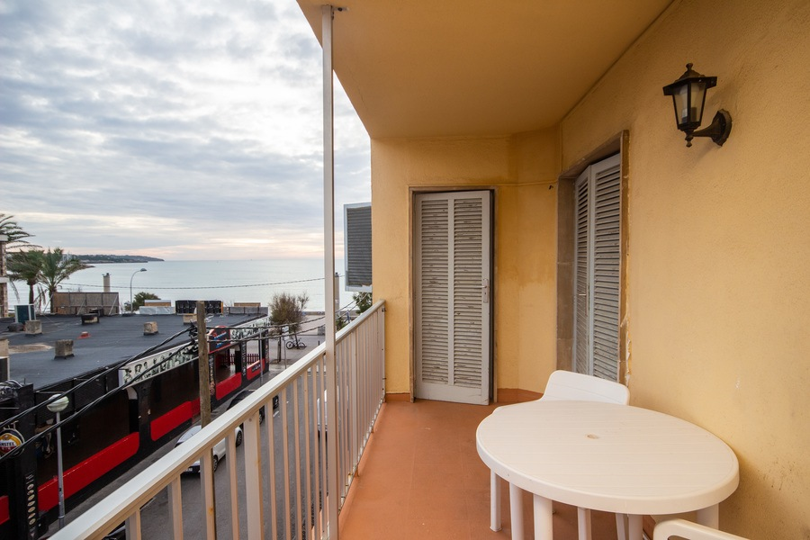 Playa De Palma Arenal Mallorca Beachfront Apartment With Balcony And Sea View In