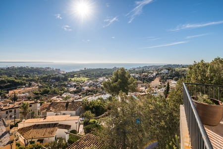 Outstanding property in Genova with spectacular views