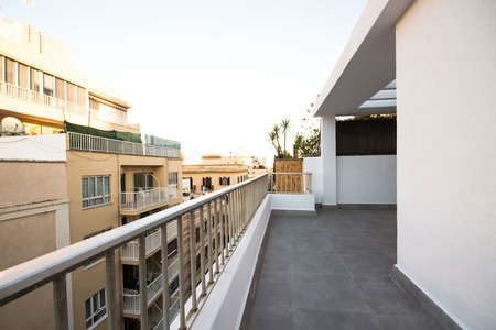 Newly renovated penthouse with three terraces in Palma