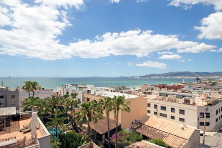 Sunny apartment with nice sea views and 35 sqm built-in terrace in Molinar