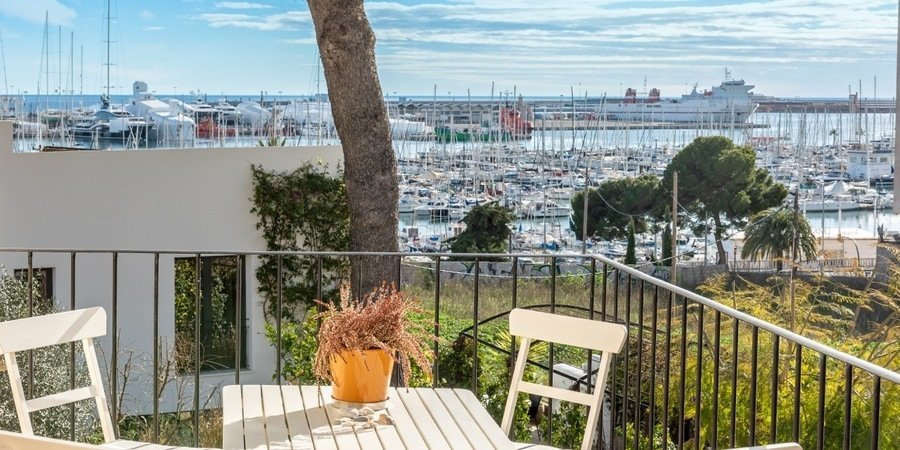 Fantastic penthouse with two terraces and sea views in Es Jonquet in Palma.