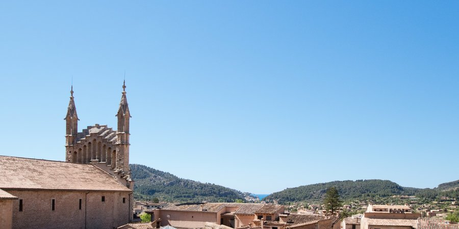 Charming penthouse with spectacular views in the heart of Soller