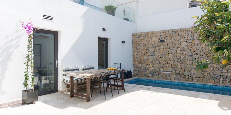 Hermosa casa adosada con terraza y piscina en el corazón de Molinar