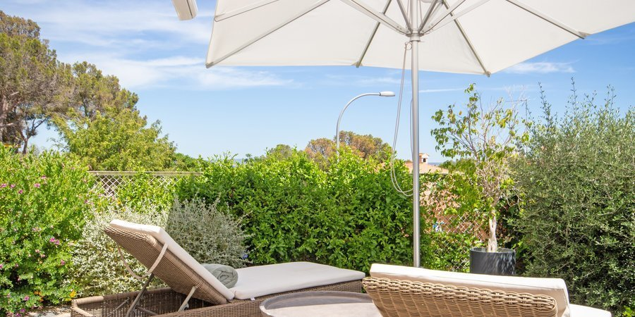 Newly renovated apartment in Scandinavian style with own garden terrace in popular Cas Catala