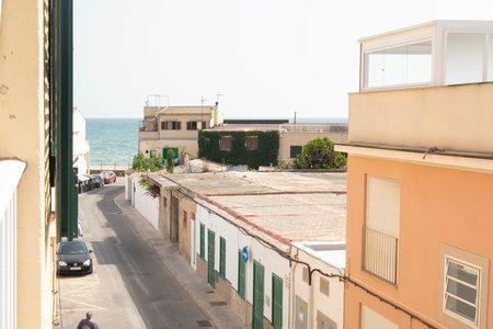 Semesterlägenhet nära stranden i Molinar