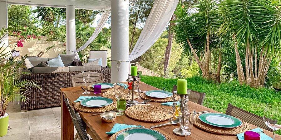 Agradable apartamento con jardín y patio soleado en el hermoso Bendinat Golf