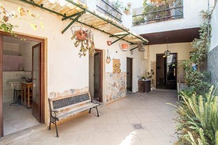 Preciosa casa adosada mediterránea con patio en Binissalem
