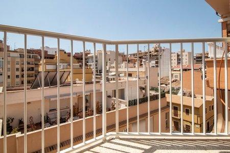 Piso reformado y luminoso con balcón en Santa Catalina