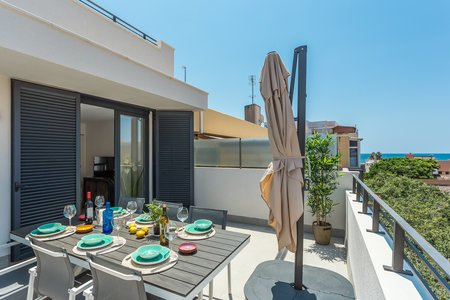 Amazing penthouse with two private terraces in Molinar