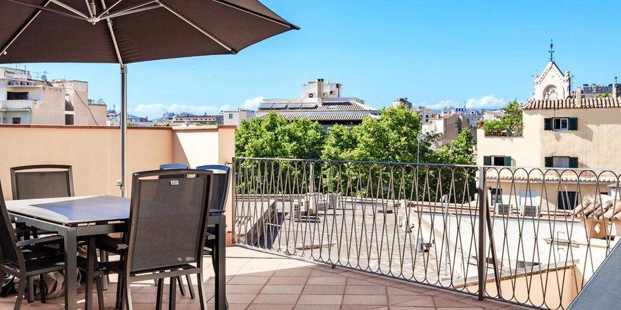 Elegante apartamento con gran terraza privada en el corazón del casco antiguo