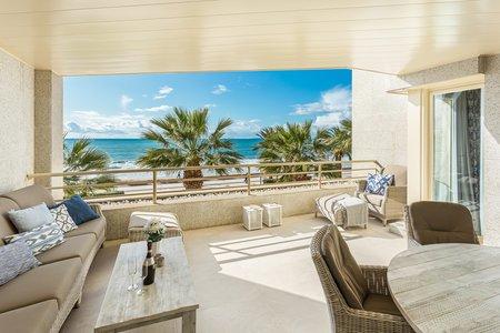 Fantastisk lägenhet i första linjen med havsutsikt och stor terrass i Portixol