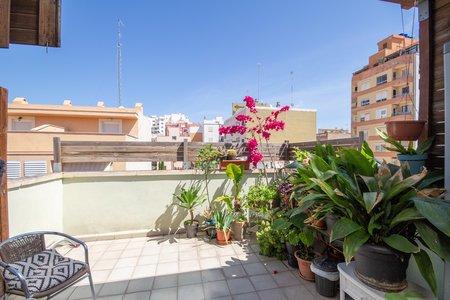 Duplex Wohnung mit Terrasse in aufstrebender Zone in der Nähe von Portixol