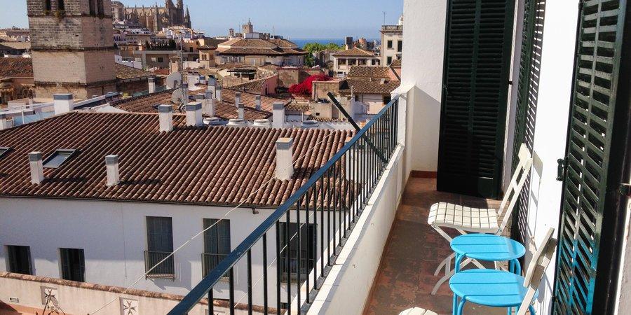 Takvåning med terrasser och fantastisk utsikt i Gamla stan