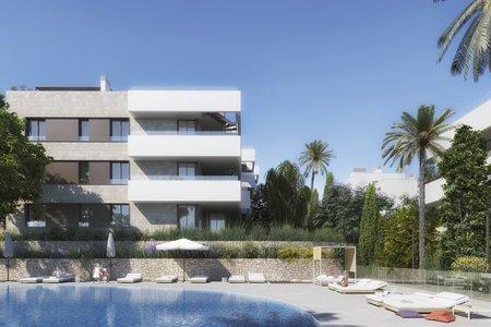 Härlig lägenhet på första våningen med terrass och gemensam pool i Son Quint
