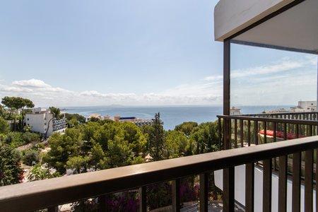 Helt nyrenoverad lägenhet med havsutsikt i Illetas