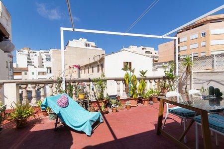 Sehr schöne Attikawohnung mit privater Dachterrasse im Stadtteil Foners