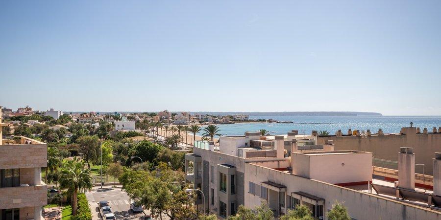 Schöne Eckwohnung mit Terrasse und Meerblick in El Molinar