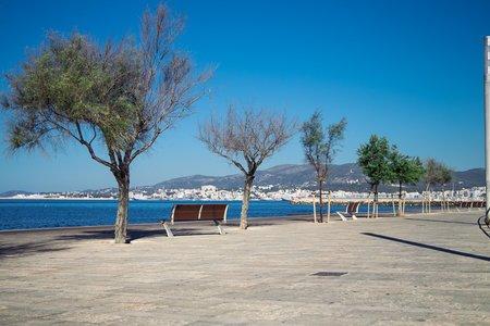 Radhus för renovering med terrass och utmärkt läge i Molinar