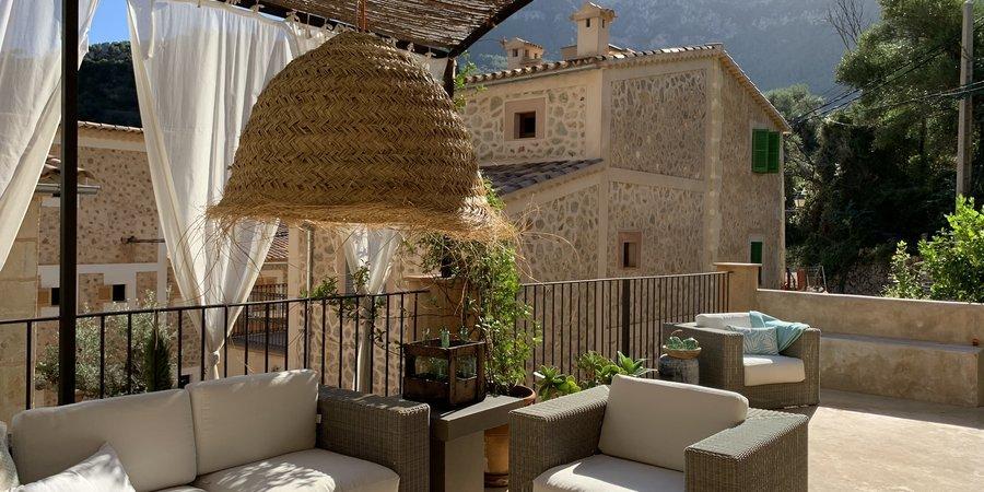 Nueva increíble casa adosada con dos dormitorios en Deia