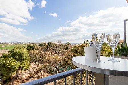 Bonito apartamento con vistas al mar y a la montaña en El Molinar