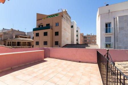 Casa adosada con terraza y patio en Portixol
