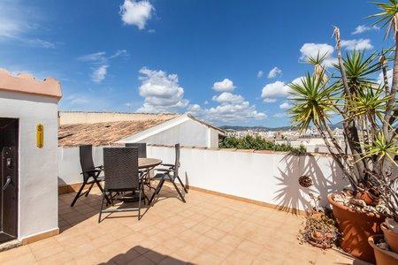 Fantastisk takvåning med terrass och utsikt i Gamla stan i Palma