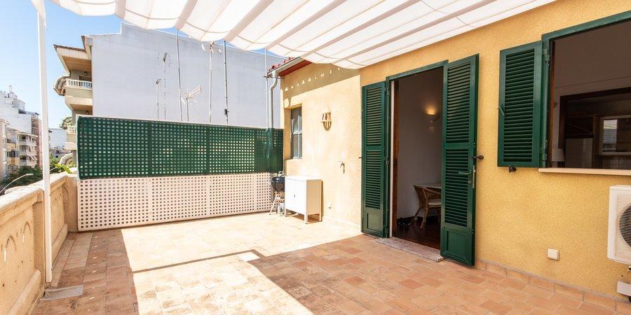 Bonito ático con terraza privada en la calle Arxiduc Lluís Salvador